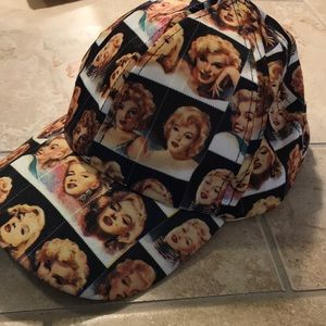Marilyn Monroe hat